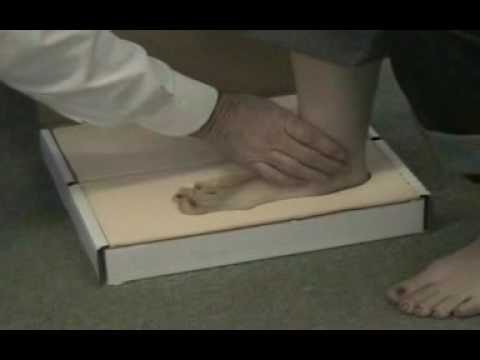 How to Use a Foam Impression Box for Fitting Custom Insoles - MMAR Medical