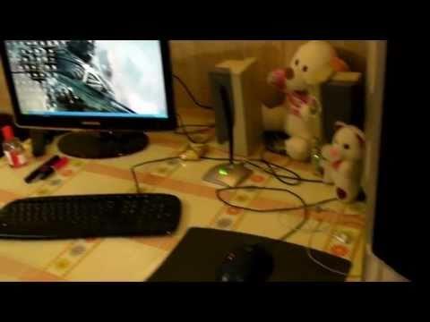 Девушка играет Crysis