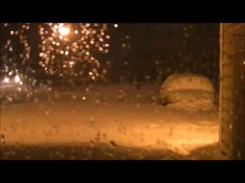 may 1 - My time-lapse video of the heavy snow in Owatonna, MN on May 1-2, 2013. 15 inches of snow fell from the late evening of May 1st to the early morning of May 2...