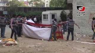 الشرطة التركية تقتحم ميدان تقسيم وتشتبك مع المتظاهرين