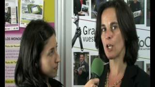 Marta Peraza, directora de Motortec, entrevistada en el stand de InfoCap