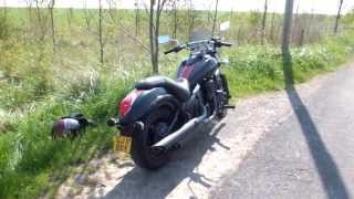 5. Kawasaki VN900 Custom Special Edition 2011 Walk-around & Start-up (HD)