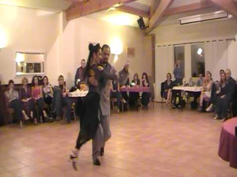 MICA DANCE DEMO TANGO AU PARADOU NORA ET CARLOS