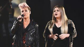 "Video Kelly Clarkson & P!nk ""Everybody Hurts"" LIVE at the 2017 American Music Awards MP3, 3GP, MP4, WEBM, AVI, FLV Januari 2018"