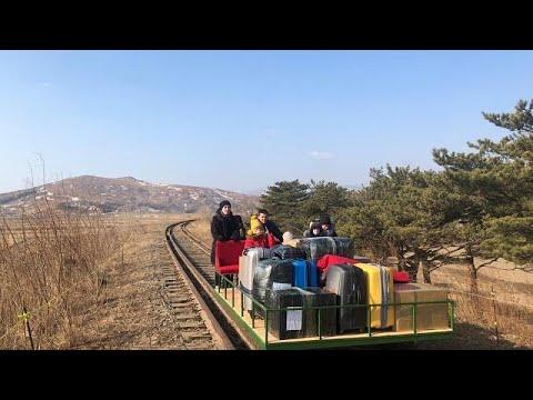 Des diplomates russes quittent la Corée du Nord en chariot