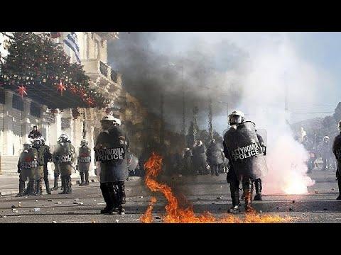 Επεισόδια αμαύρωσαν το μαθητικό συλλαλητήριο για τον Αλέξανδρο Γρηγορόπουλο…