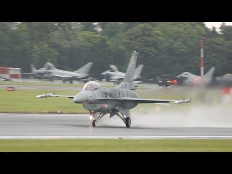 2x Lockheed Martin F-16C Block...