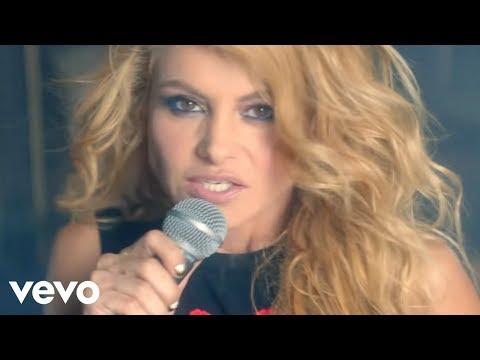 Paulina Rubio - Mi Nuevo Vicio ft. Morat (Video Oficial)