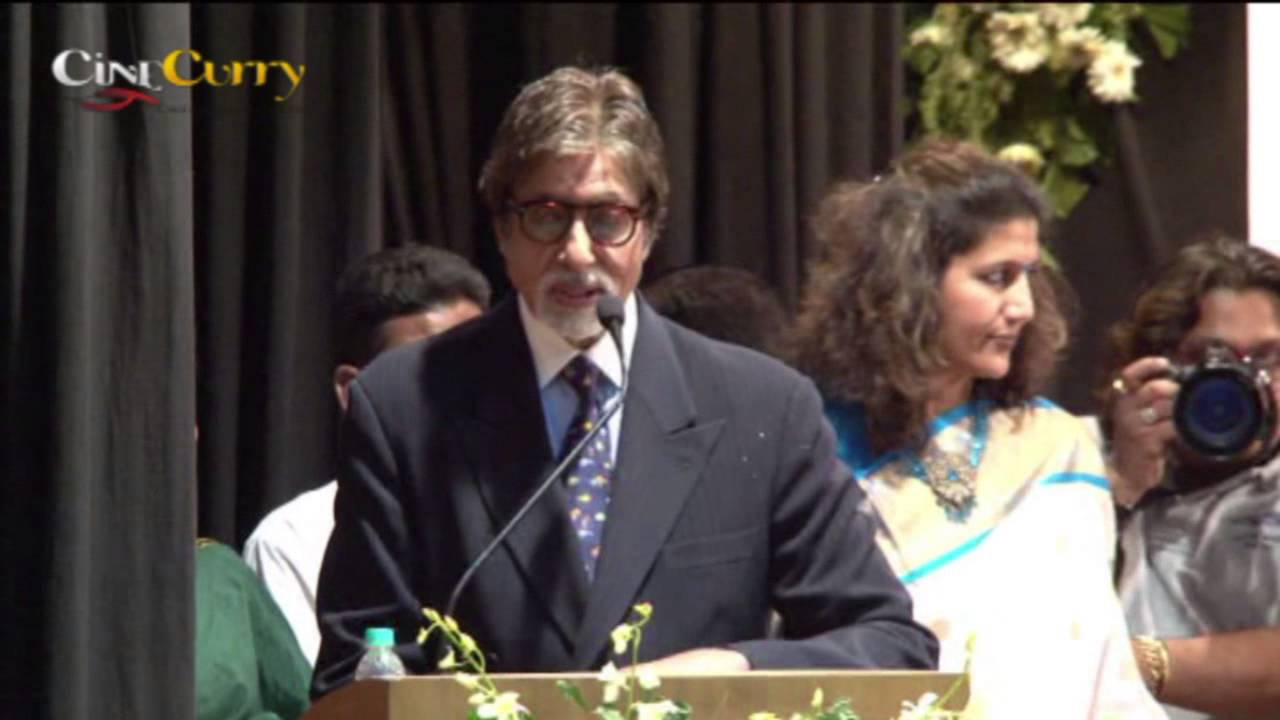 Amitabh Bachchan Felicitated At Mumbai University