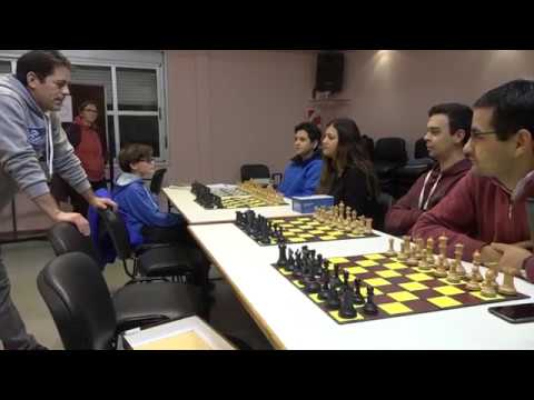 Inician los talleres de ajedrez en la Legislatura y el Círculo viedmense