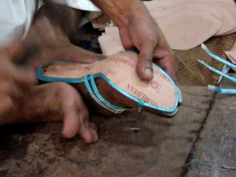 Paperboard Insole to insole pasting.MPG