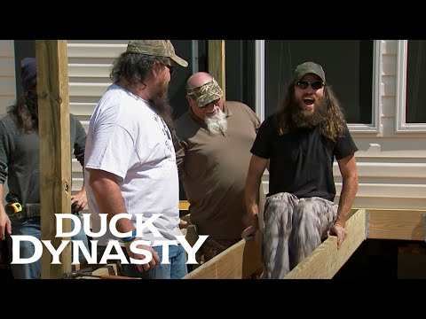 Duck Dynasty: Building a Deck for Theressa (Season 7, Episode 4) | Duck Dynasty