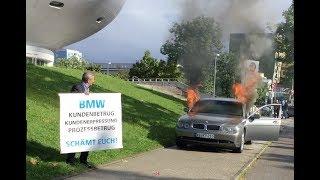 Niezadowolony klient podpala swoje BMW przed budynkiem BMW w Monachium!