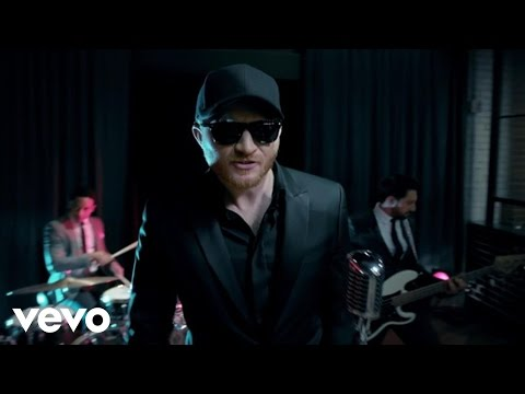Eric Paslay Shows off his Dance Moves in his High Class Video