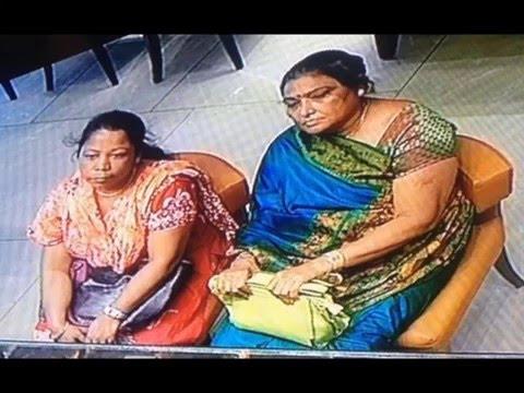 """WANTED""- Women STEALING SHOPLIFTING jewellery in NORTH DELHI, INDIA"