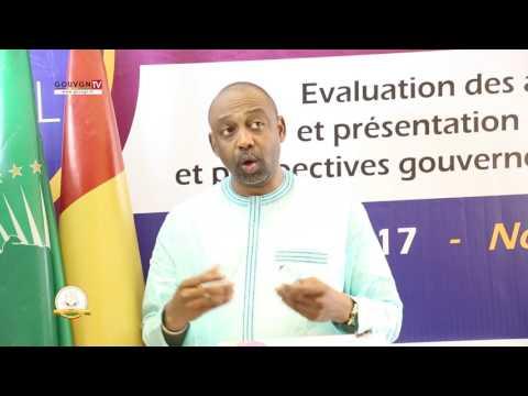 Séminaire gouvernemental, le ministre de la Sante  Abdourahmane Diallo face à la presse