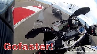7. BMW S1000RR Pilot vs GSXR1000 Superbike
