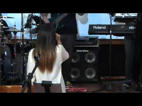 Wanessa canta hits antigos em pocket show