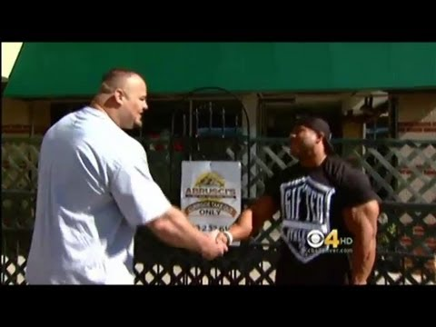 Meeting of Phil Heath and Brian Shaw