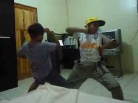 01- Os dançarinos de Águas Formosas-MG
