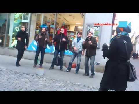Pouliční koncert/zpěv Brno 27.10.