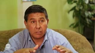 El abogado que asesoró la solicitud de vacancia de las autoridades municipales de Huarmey fue Alberto Egúsquiza. El pedido de vacancia se presentó ante el JNE el 20 de enero del 2017. Seis días después, unos explosivos detonaron en la puerta de su casa en Huarmey.
