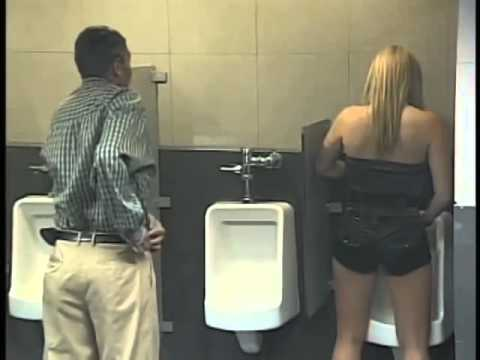 WC'de Böyle Bir Şeyle Karşılaşsanız Ne Yapardınız? (Kamera Şakası)