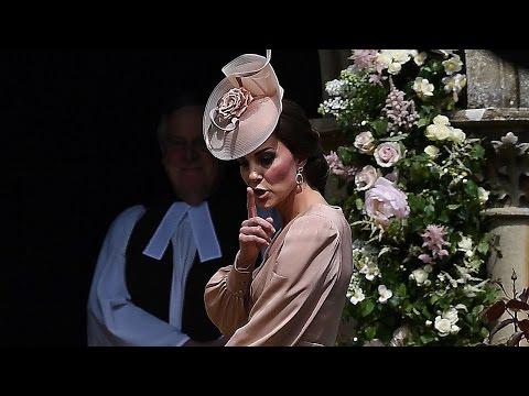 Kate Middleton Adorably Shushes Prince George & Princess Charlotte During Pippa's Wedding (видео)