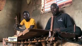 Echappées belles : C'est au Burkina Faso que nous retrouvons Sophie. Avec cette fameuse tradition du faux départ, les arts du...
