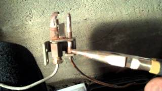 Video Pilot Light Won't Stay Lit - How to Replace a Broken Thermo Couple on Furnace MP3, 3GP, MP4, WEBM, AVI, FLV Juli 2018