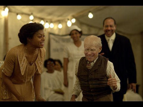 blacktreemedia - Tis the season when Hollywood starts to argue about the Oscars. But one thing just about everybody is agreed upon: The Curious Case of Benjamin Button is the...