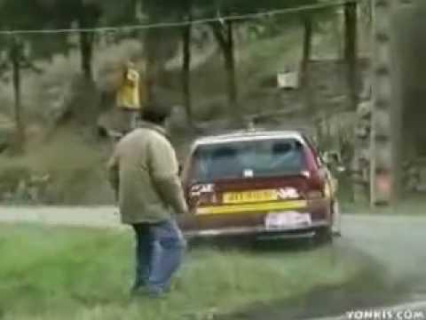 Vídeo de Coisas Interessantes Engraçadas e Idiotas