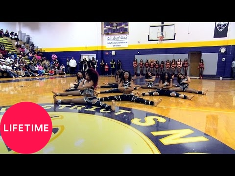 Bring It!: Stand Battle: Dolls vs. Infamous Dancerettes - Medium (Season 3, Episode 10) | Lifetime