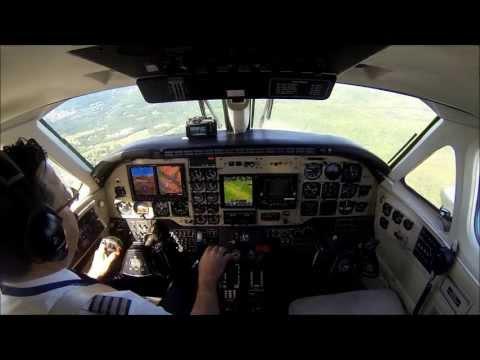 King Air B100 - approach in mountainous terrain (видео)