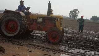 Hindustan tractor pulling boor wali machine