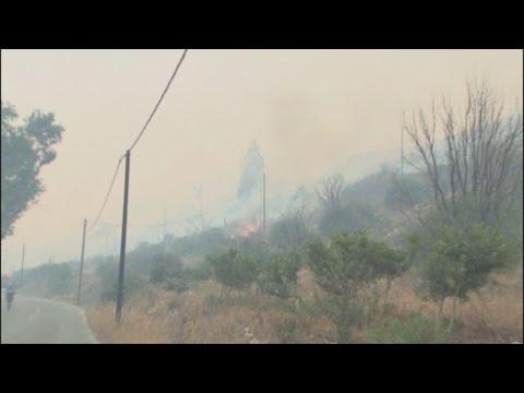 Σε ύφεση η μεγάλη πυρκαγιά στη Χίο