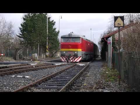 Vlaky - Praha-Zličín / Přeprava historických vozů z Olomouce do Lužné, soupravy 714+010