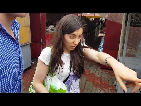 Люба Колосовская регулярно проводит гастрономические экскурсии по Озерке - главному рынку Днепра. Монитор...