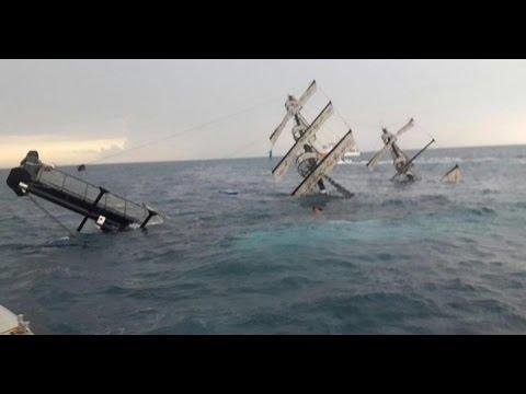 Туристическое судно тонет у берегов Антальи