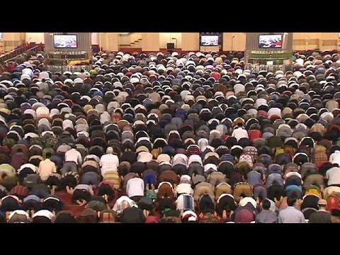 Με προσευχή υποδέχθηκαν οι Μουσουλμάνοι το Ραμαζάνι