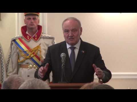 Președintele Nicolae Timofti a înmânat distincții de stat unui grup de cetățeni