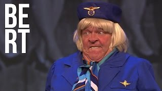 Video Bert Visscher - Zelden Zoiets Gezien - Mollige Stewardess MP3, 3GP, MP4, WEBM, AVI, FLV Oktober 2017
