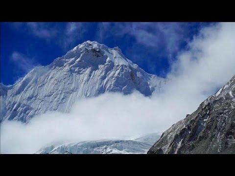 Έβερεστ: Τρεις νεκροί ορειβάτες- Ένας αγνοούμενος