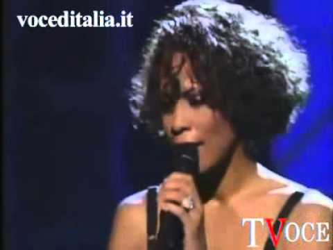 whitney houston era lesbica, amava la sua assistente