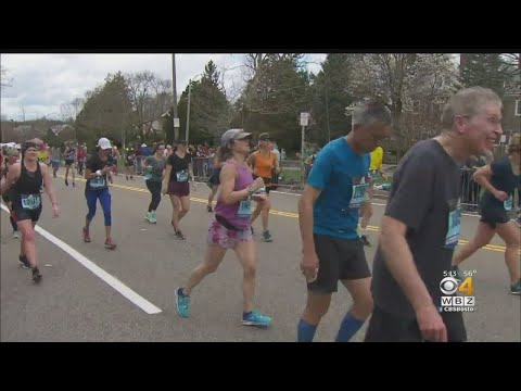Crowd Helps Propel Marathon Runners On Heartbreak Hill