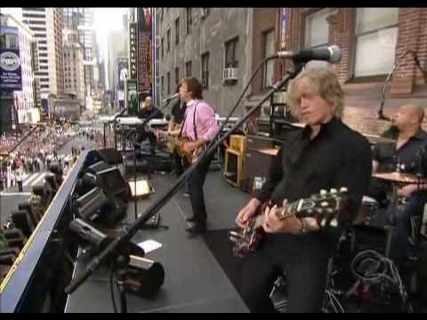 Video Paul McCartney - Get Back (Live Letterman 2009). download in MP3, 3GP, MP4, WEBM, AVI, FLV January 2017
