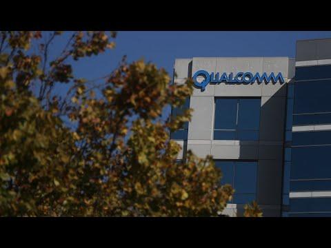 Trump blocks Qualcomm sale to Broadcom