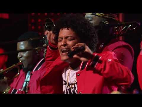 """Bruno Mars 24K Magic Live At The Apollo 2017 -""""Perm"""""""