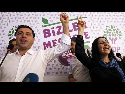 Τουρκία: Πανηγυρίζουν οι Κούρδοι για την είσοδο του Κόμματος της Δημοκρατίας των λαών στη βουλή