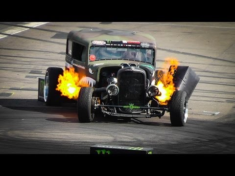 Flame-throwing rat rod puts on epic show